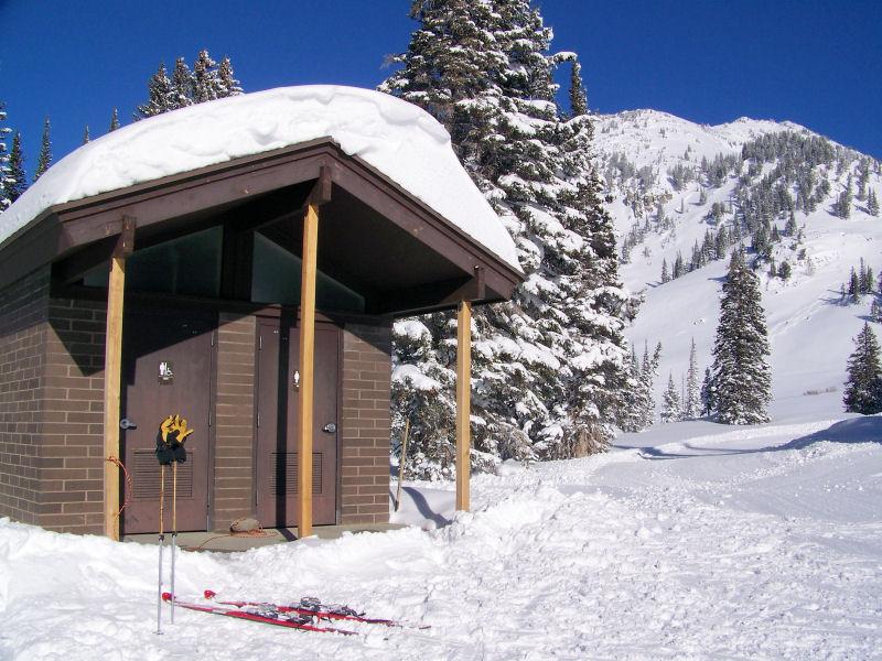 Alta - Toilets on the ski run - great idea